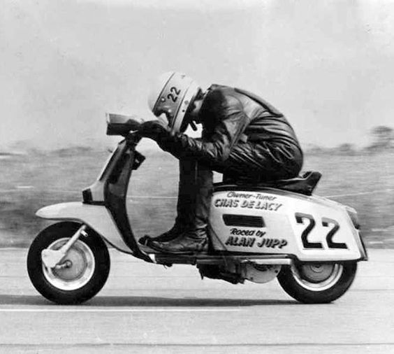Lambretta DL/GP The Scooter Rider #vespa #lambretta #scooter #thescooterider #mod #race: