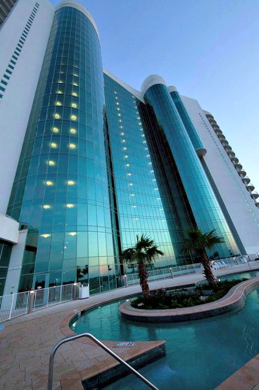 Turquoise Place Offers High Rise Elegance Right On The Gulf In Orange Beach Coastal Vacations Gulf Coast Beaches Gulf Shores Alabama