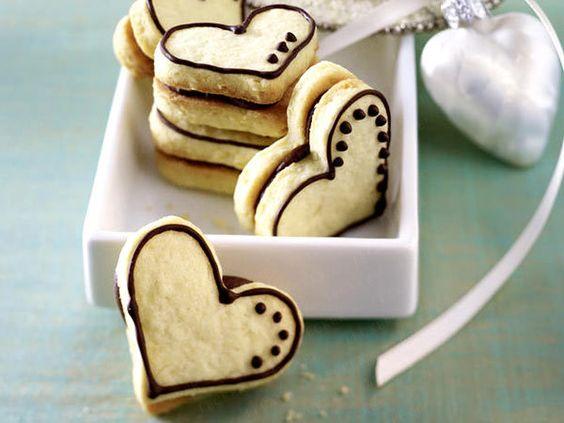 Plätzchen zum Ausstechen - Kekse toll in Form! - nougat-herzen  Rezept