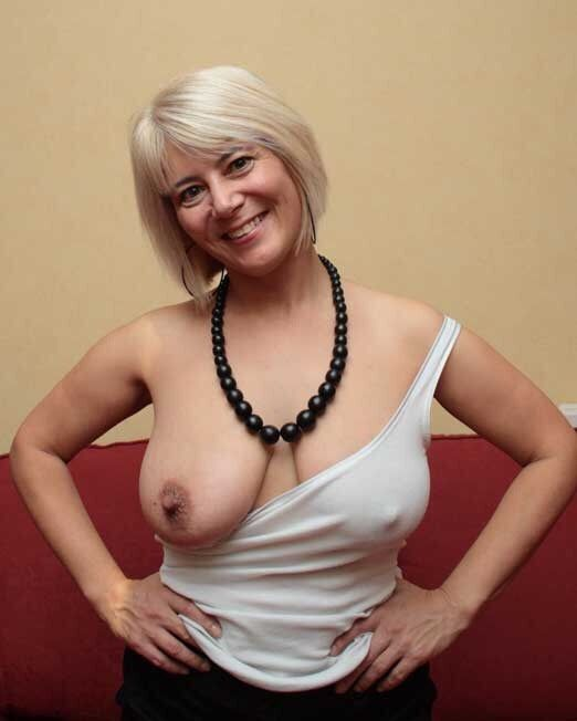 Amateur lady in ff nylons undresses night