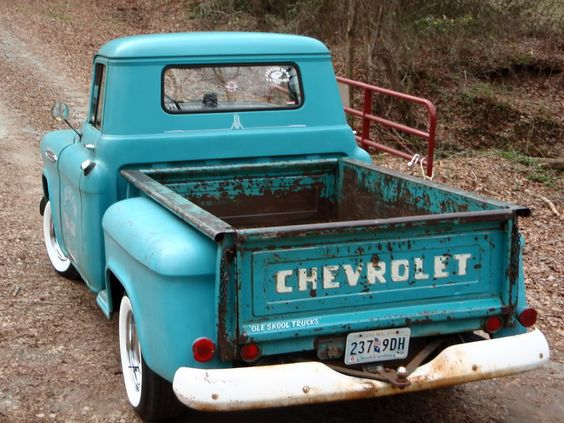 Chevy- this looks exactly like the truck my Dad had that I wish he would of kept. I loved that truck and I will have one like it someday. Good memories