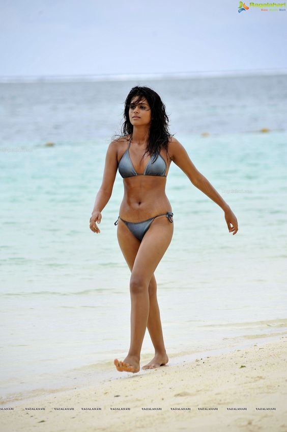 Super Hot Shraddha Das in a String Bikini - High Resolution Posters