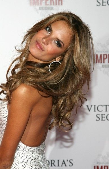 Alessandra Ambrosio to die for hair