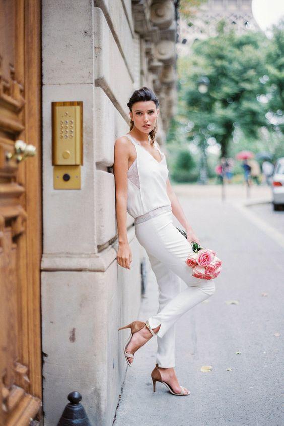 La combinaison de robe de mariée