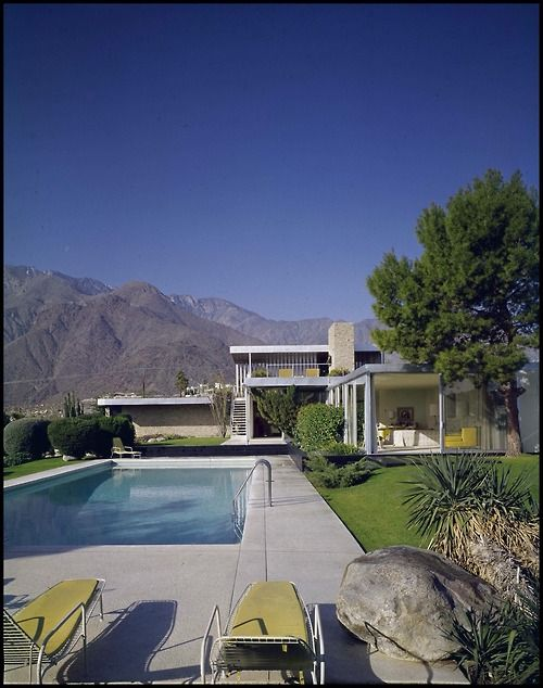The Kaufmann House in Palm Springs, California, designed by architect Richard Neutra in 1946.: