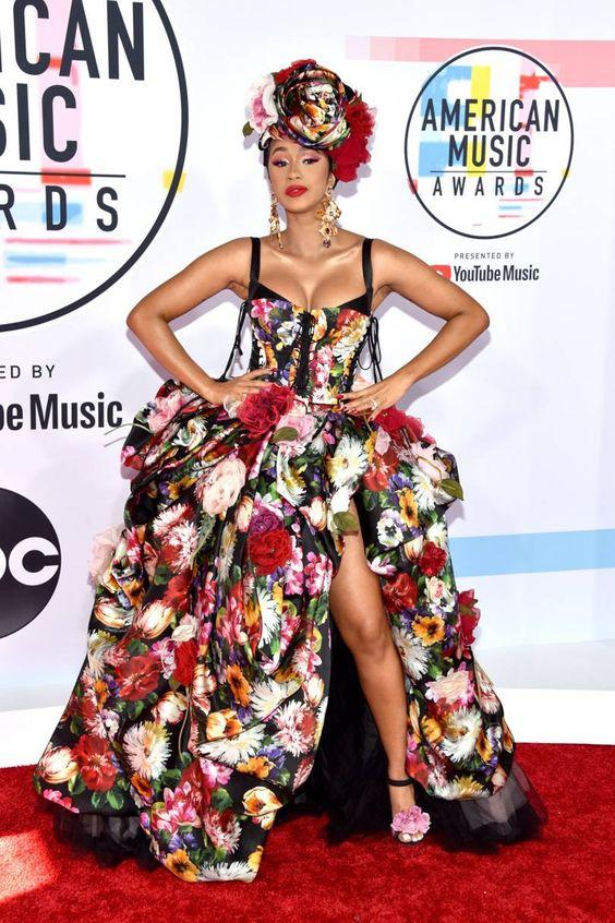 Hot or Not - Cardi B. agli American Music Award in versione Flora 2.0