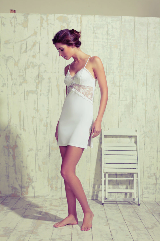 Lindissima camisla em microfibra Amni...renda e leveza em uma única peça! #uniclingerie #unilingerie #camisola #lingeries