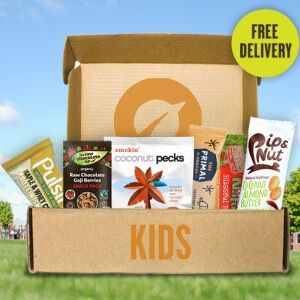 A treasure trove of healthy snacks for kids - makes a great Christmas present! Packed with a range of delicious snacks to satisfy even the fussiest of eaters, the Vivo Kids Snack Box is the perfect way to keep your little ones happy and healthy! - A handpicked variety of healthy snacks and treats picked especially for kids. - Free 1st class delivery on all snack boxes. - Give your child the best to keep them happy and healthy all day! - Features at least 10 healthy snacks in each box.