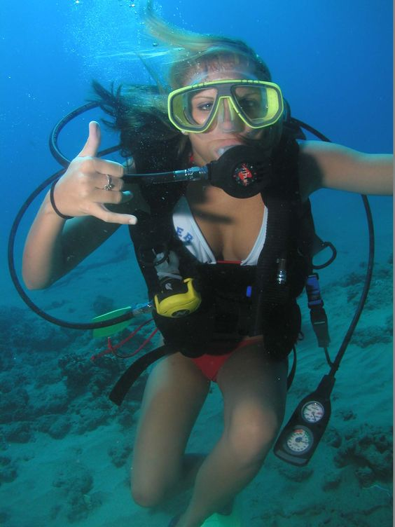 Scuba lessons with In2Scuba Diving Maui Dive Co.
