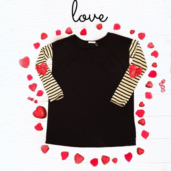 We ❤️ the elbow patches! #bellaragazzaboutique #love #hearts
