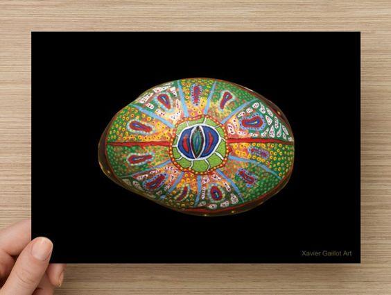 Carte postale grand format deluxe, pierre peinte, art et photo par Xavier…