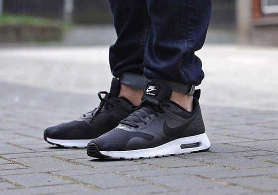 "Nike Air Max Tavas Essential ""Black/White"""