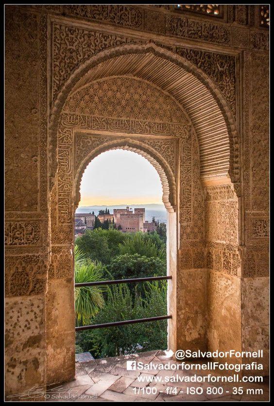 #laAlhambradeldia 243 La Alhambra vista desde un balcon del Generalife http://www.flickr.com/photos/salvadorfornell/8556685389/lightbox/ www.salvadorfornell.com