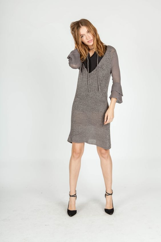 BLACK COLLAR SHIRT | KNIT DRESS | LAYERING LOOK | MIILLA