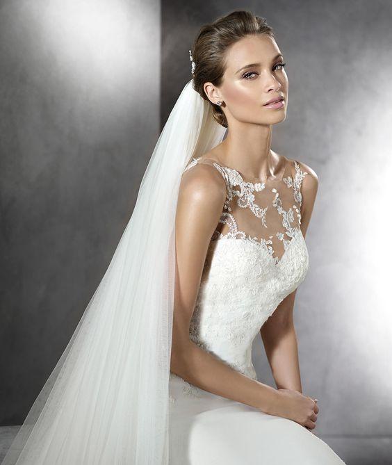 PRUNELLE - Brautkleid mit Schmucksteinbesatz und herzförmigem Dekolleté | Pronovias