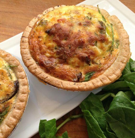 7 Ingredient Caprese Quiche! http://www.lisaharrispantryblog.com/2014/04/25/6-ingredient-caprese-quiche/