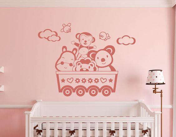 vinilo infantil para decorar el dormitorio del bebé, perfecto para poner encima de la cuna.