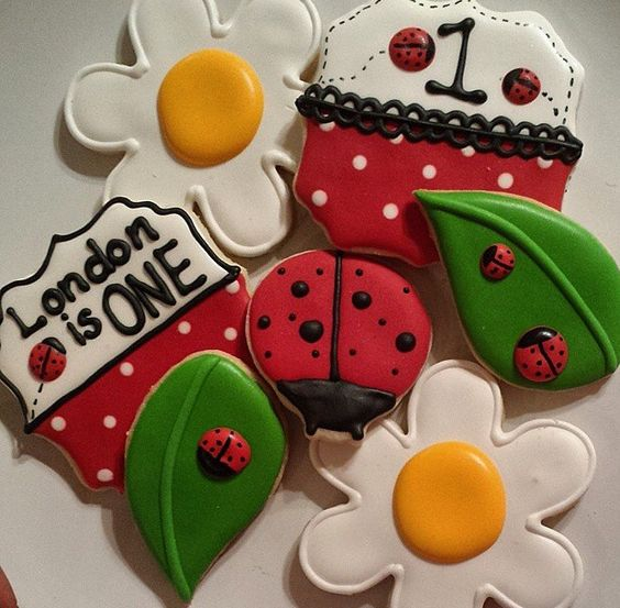 Ladybug cookies by babycakescouture