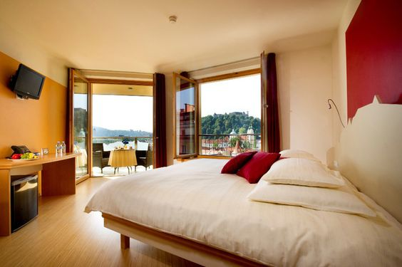 Nice cosy room with a beautiful view