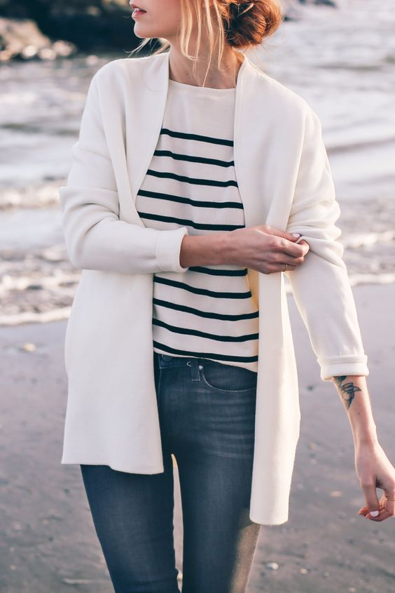 LOVE this outfit - casual, comfortable, and I absolutely love the spring stripes trend Stripe sweater / Prosecco & PLaid: