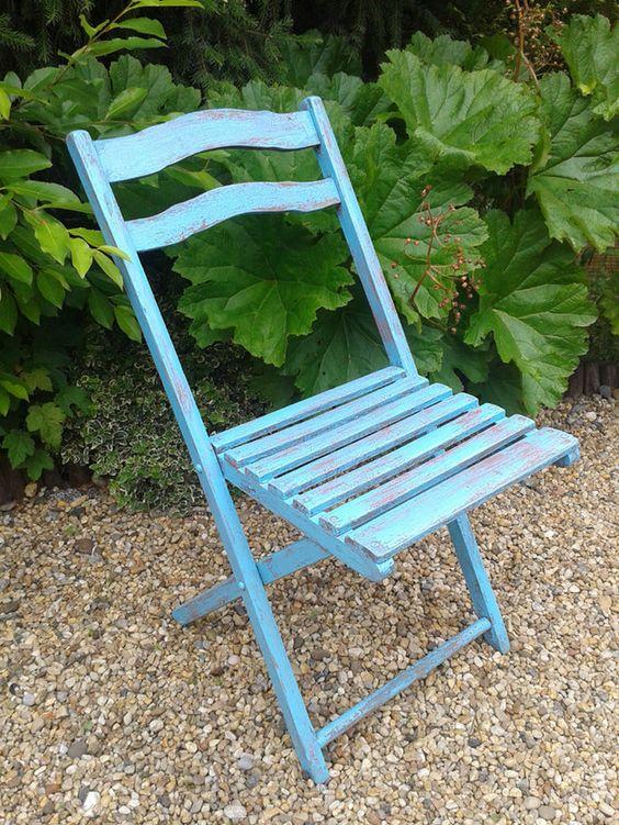 Schöner antiker Gartenstuhl, Shabby Chic, türkis, Klappstuhl  Sitzfläche: 38x38 cm H gesamt: 85 cm Sitzhöhe: 45 cm