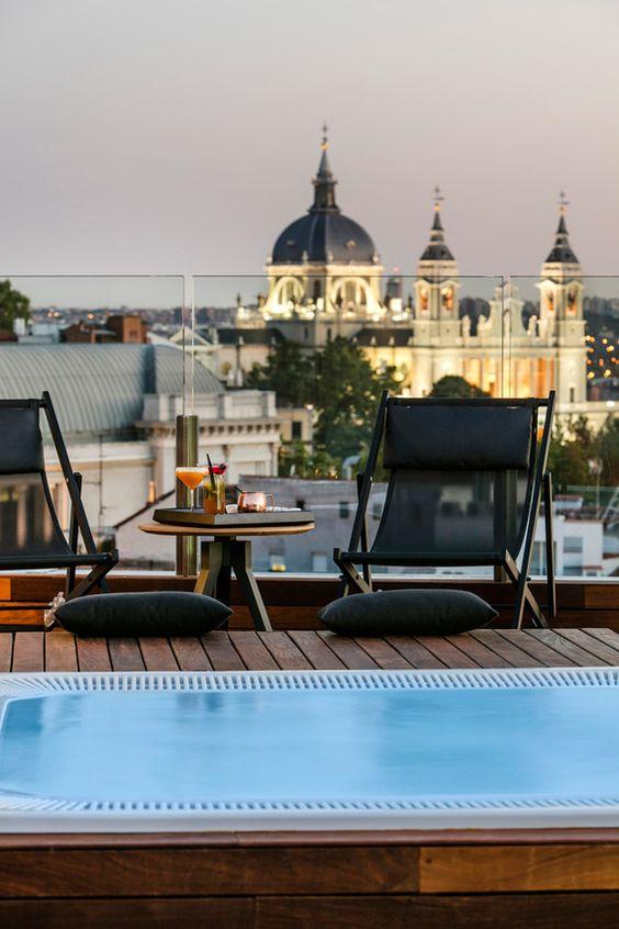 Terraza del hotel Gran Meliá Palacio de los Duques, Cuesta de Santo Domingo 5