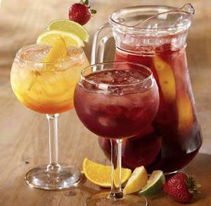 Olive Garden 39 S Tropical Sangria Yummmmm Drinks Pinterest Olive Gardens Sangria And Olives