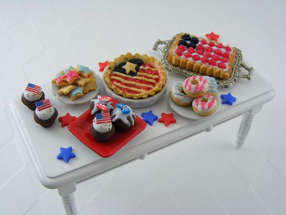 #Dollhouse Miniatures - 4th of July  Miniature Desserts