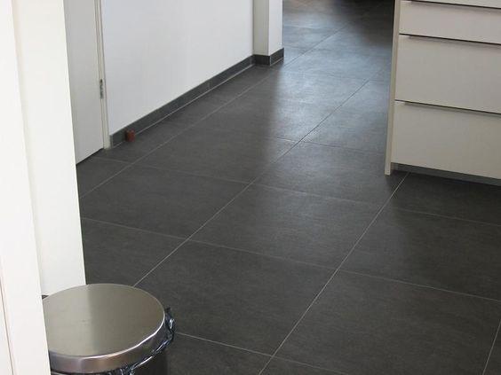 Zwarte 60x60 quartziet look a like vloertegels 12 tegelhuys tegels woonkamer pinterest - Tegels badkamer vloer wit zwemwater ...