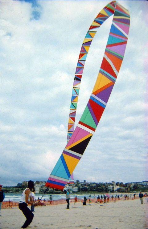 Wind Bow arch kite 1992 - Bondi Beach, Australia rip-stop nylon, carbon graphite rods