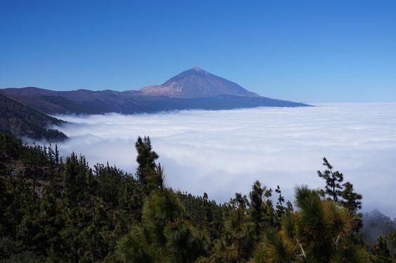 https://flic.kr/s/aHskAubnv4 | Mirador de Chipeque, Teide. Tenerife