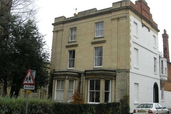 1 bedroom flat to rent in St. Johns Road, Banbury OX16 - 17720637 - Zoopla -  £425 - (£512 (£88) council tax pm) Train -