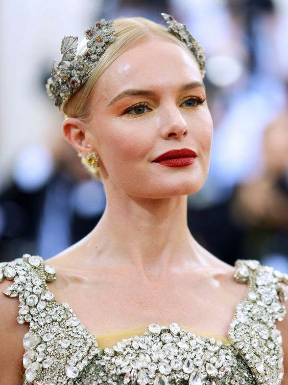PRETTIEST HEADPIECE Kate Bosworth  #MetGala2016 #Beauty