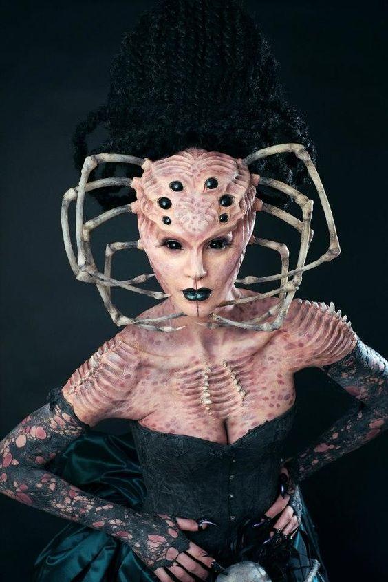 maquillage,monstre mi femme mi aragnée: