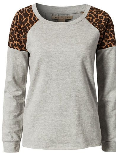 "I love the touch of print. I usually don't do animal print, though, because I know so many people that love it and I don't want to steal their ""thing"""