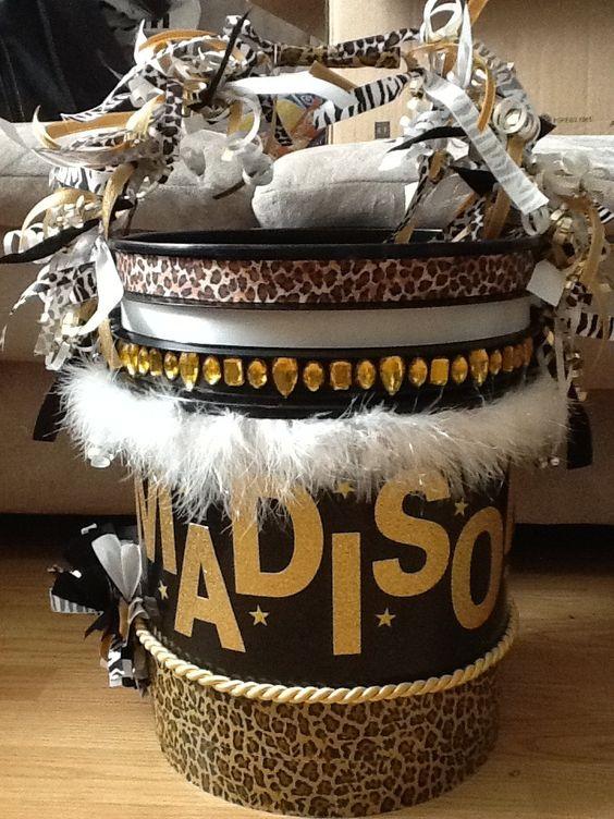 Cheer bucket