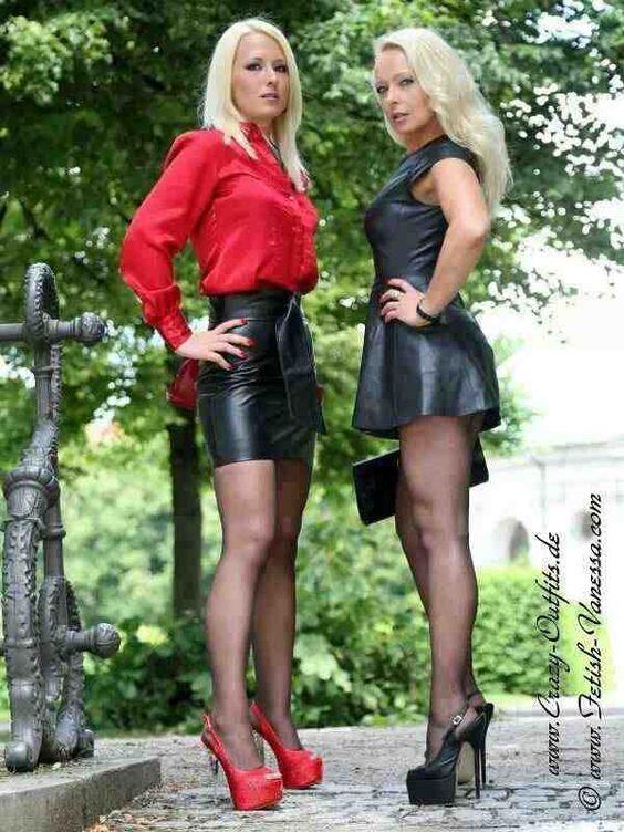 German mom son short skirt | Hot photo)