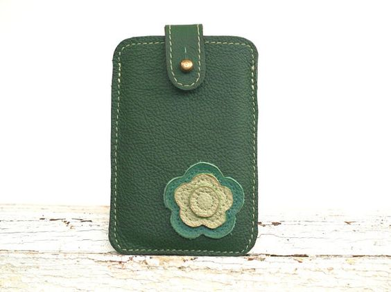 iPhone 4 Case, iPhine 4s Cover, Cute iPhone Case, Floral Gadget Case, autumn green / september on Etsy, $34.00