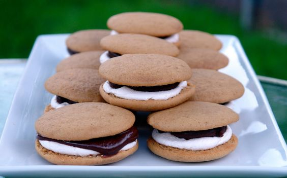K Bakes: S'more Whoopies - I'll make both of the ones I pinned and see which is better....