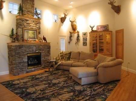 Camo rugs and camo living rooms on pinterest for Camouflage living room ideas