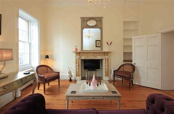 2 Bedroom Apartment in Bath to rent from £900 pw. With TV and DVD.