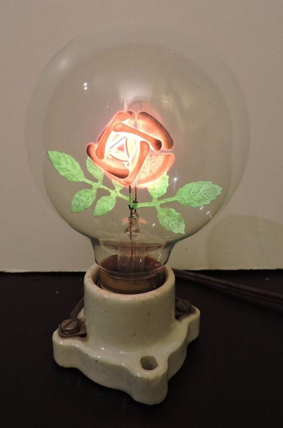 VINTAGE FIGURAL FLOWER FILAMENT ELECTRIC LIGHT BULB  AEROLUX STYLE EXC 1 of 2