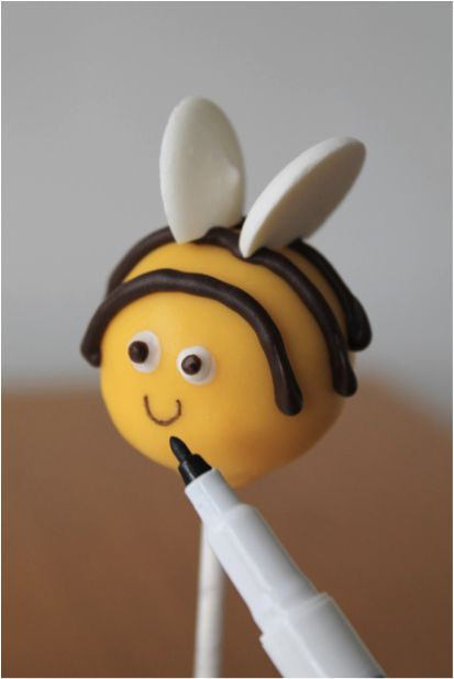How to Make Animal Cake Pops #CakePops #Baking by Lucy Bruns