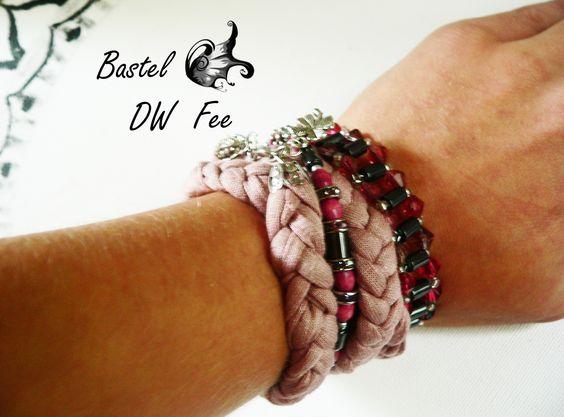 Verschiedene SUMIZU Armbänder kombiniert. Die SUMIZU Bracelets findet Ihr in meinem Da Wanda Shop. Von Glasperlen Ketten über Bohemian und Gipsy Armbänder (Stoff, Acryl Perlen, Glas Perlen, Wire Draht etc.)  und verwunschene, mystische Ohrringe findet Ihr dort alles was das Jewelry Herz begehrt. Stell dir dein Multi Strang Armband selbst zusammen. An jedes Outfit anpassbar.