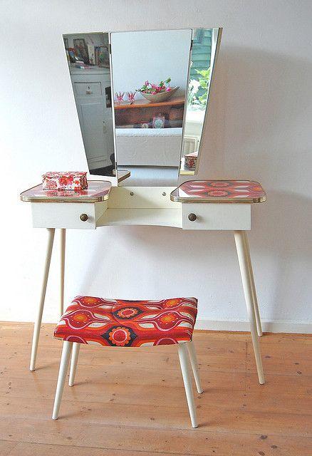 Retro vanity table. Love the matching stool ♡