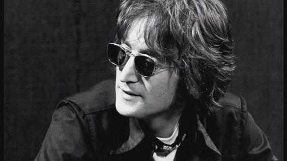 John Lennon: oggi 75° anniversario della nascita - John Lennon avrebbe compiuto oggi 75 anni. Per festeggiare l'anniversario della nascita, numerose celebrazioni in tutto il mondo. - Read full story here: http://www.fashiontimes.it/2015/10/john-lennon-oggi-75-anniversario-della-nascita/
