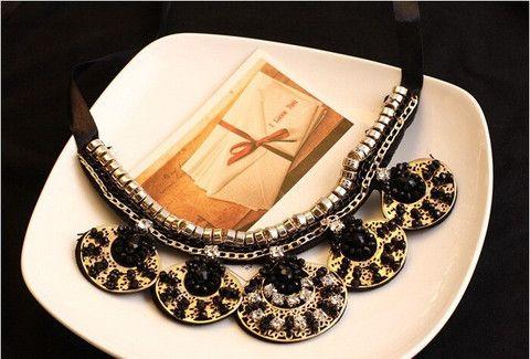 Oval Shaped Stylish Necklace ....Buy on Jakham....