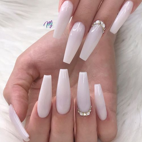 Pin By Lia On Nail In 2020 White Acrylic Nails Best Acrylic Nails Nails