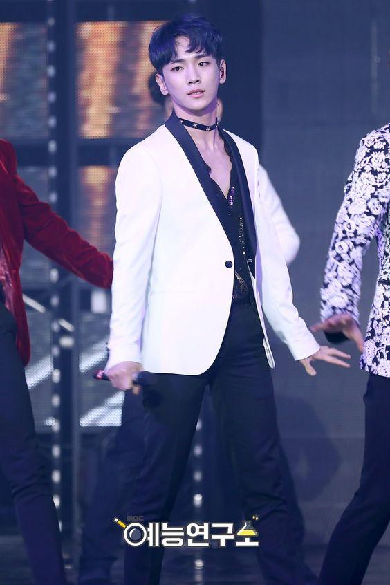 161126 #SHINee - Show! Music Core