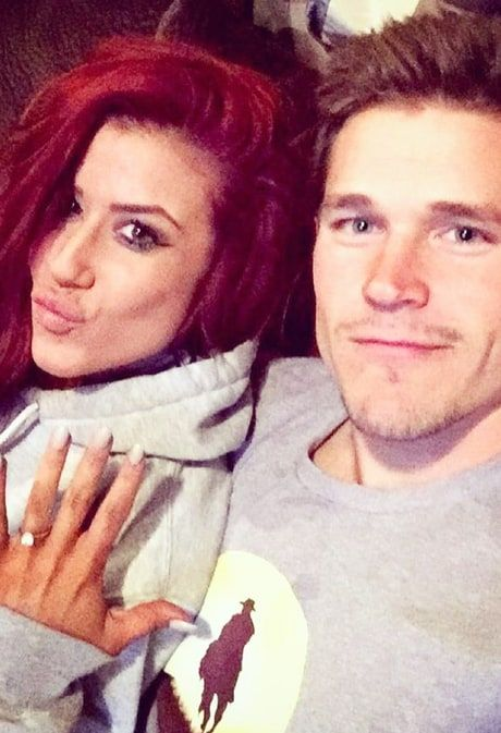 Teen Mom 2 star Chelsea Houska is getting married to her boyfriend, Cole DeBoer — see her announcement and ring